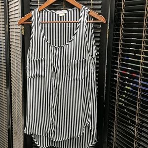 🕶️Sheer black white striped sleeveless blouse M